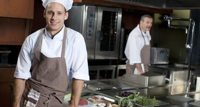 調理師になるには?資格や向いている人、効率良く転職する方法まで大公開!