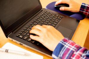 フリーター・ニートでもプログラミングスクールを利用可能?就職成功の秘訣とは
