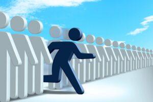 高卒者が介護職になるには?介護資格を取る方法や高卒の転職成功法もご紹介