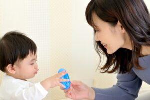保育ママ(家庭的保育者)の収入は?自宅で保育士資格を活かして働く方法