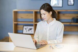 経理は女性が働きやすい職種なの?女性におすすめの理由と経理職になる方法