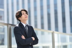 高卒で営業職になれる?営業職に向いている人とメリット・デメリットとは