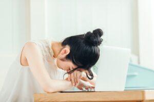 無職が辛い2つの根本原因とは?自信をつけて不安を乗り越える方法を紹介