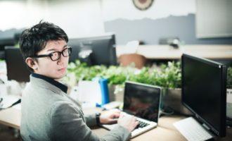 転職活動は在職中にやるべき?「忙しい」を言い訳にしない転職活動術!
