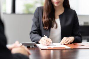 銀行秘書ってどんな仕事?秘書の経験は不要?銀行秘書への確実な転職成功法
